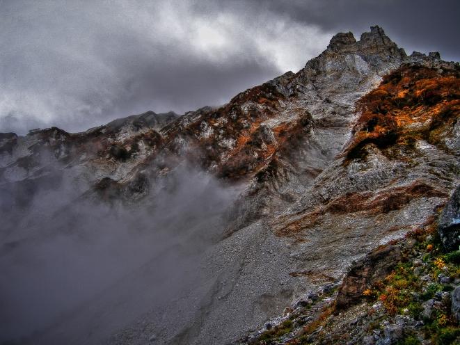 climbing Shirouma-dake