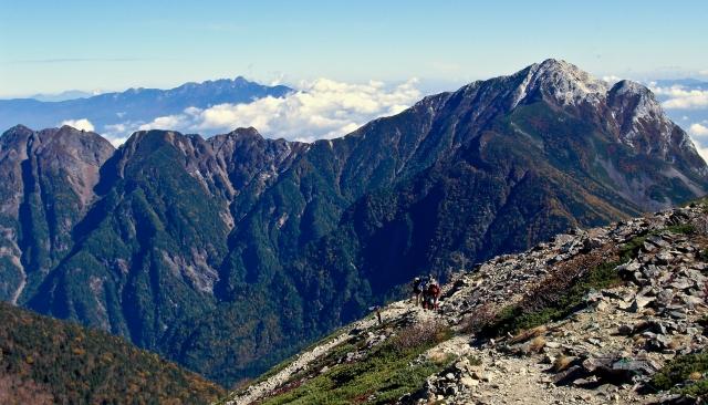 Kaikoma-ga-take from the trail up Senjo-dake